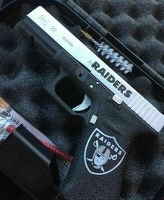 Game day pistol Oakland Raiders Man Cave Ideas, Oakland Raiders Shoes, Okland Raiders, Oakland Raiders Images, Raiders Pics, Raiders Stuff, Oakland Raiders Football, Raiders Baby, Football Art