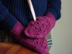 Finished Hierro mittens from Pom Pom Quarterly Autumn 13 in Town End Alpaca DK. Perfect for keeping your hands warm when cycling home from work.