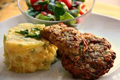 Karbanátky s červenou čočkou pro děti od 8 měsíců Meatloaf, Mashed Potatoes, Ethnic Recipes, Fit, Whipped Potatoes, Shape, Smash Potatoes