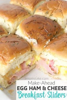 Easy egg ham and cheese breakfast sliders recipe. Make it the night before and just heat in the morning and its ready to serve in just 10 minutes. Super simple breakfasts for families on the go or picky kids. recipes for kids Breakfast Slider, Breakfast For A Crowd, Breakfast Bake, Breakfast Dishes, Best Breakfast, Breakfast Recipes, School Breakfast, Breakfast Ideas For Kids, Breakfast Tailgate Food