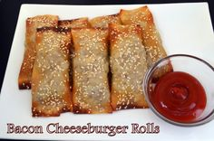 Flavors by Four: Bacon Cheeseburger Rolls using egg roll wrappers Yummy Appetizers, Appetizer Recipes, Snack Recipes, Meat Recipes, Cooking Recipes, Good Food, Yummy Food, Tasty, Best Party Food