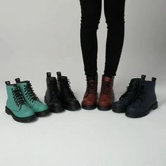 ALTERCORE (@altercore) • Zdjęcia i filmy na Instagramie All Black, Black And White, Alternative Girls, Grunge Outfits, Platform Shoes, Combat Boots, Leather, Instagram, Fashion