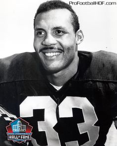 Ollie Matson, Pro Football Hall of Fame Class of 1972. Click on image for Hall of Fame bio.  http://sportsbettingarbitrage.in