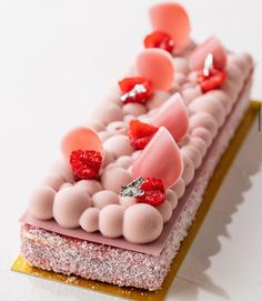 Gourmet Desserts, Plated Desserts, Just Desserts, Delicious Desserts, Coconut Tart, Cake & Co, Cupcakes, French Desserts, Beautiful Desserts