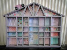 Mon DIY j'ai customisé une maison étagère voir les étapes de la création et les habitants de la maison sur www.sevedeco.com