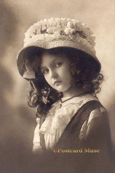 http://www.ebay.com/itm/Edwardian-Girl-New-4x6-Vintage-Image-Photo-Print-CE061-/371597764277?hash=item5684f3e6b5