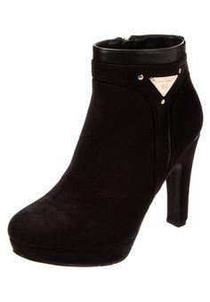 Laura Biagiotti Platform boots black