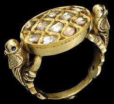 A DIAMOND SET GOLD RING, INDIA, LATE 19TH-EARLY 20TH CENTURY