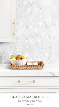 The elegant glass and marble mix rhomboid design backsplash tile. Clean and styles look for kitchen backsplash tile projects. Kitchen Wall Tiles, Kitchen Flooring, Countertop Backsplash, Backsplash Ideas, White Tile Backsplash Kitchen, Kitchen Backsplash Inspiration, Mosaic Tiles Backsplash, Backsplash Design, Kitchen Counters