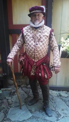 Well Dressed Elizabethan Gentleman