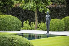 Onze tuinen - Stijn Phlypo Tuindesign Garden Hedges, Garden Landscaping, Garden Deco, Garden Tools, Landscape Design, Garden Design, Pool Water Features, European Garden, Pool Maintenance