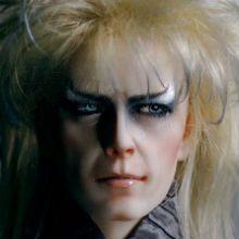 Estas assustadoramente belas e realistas Dolls (bonecas) de David Bowie são obras do autor de Nova York e esquiador Ev Stevona.