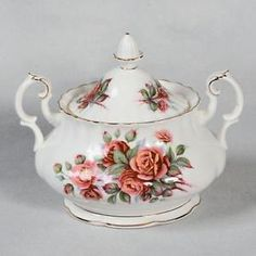 "Royal Albert ""Centennial Rose"" Sugar Bowl LID Sugar Bowls, China Sets, Royal Albert, Bone China, Bowl Set, Tea Cups, Porcelain, Create, Rose"