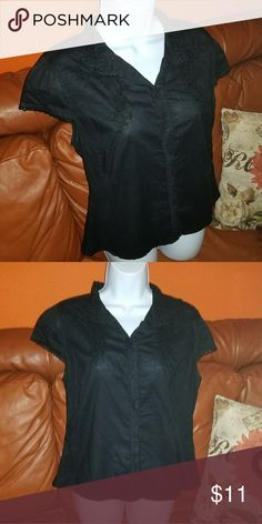 Merona Embroidered Blouse In excellent condition Merona Tops Blouses