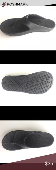 Telic arch support comfort sandals unisex black Ultra comfort, arch support, waterproof sandal. Recommended by diabetic and orthopedic specialists. Color: black. Size: unisex Medium (women size 9, men size 8) Originally bought for $45 New. Never worn. Telic Shoes Sandals