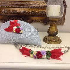 Cartera y cinturón con flores