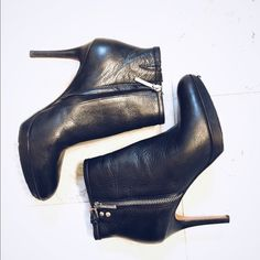 Donald J. Pliner black ankle booties Size 7.5 black zip in booties- lightly worn. 4 inch stiletto heel with 1 inch platform makes these very comfortable and easy to walk in! Donald J. Pliner Shoes Ankle Boots & Booties