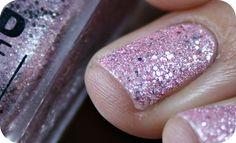 Texturovaný a pískový efekt s laky Jordana, a Essence ☺ Druzy Ring, Nails, Rings, Beauty, Jewelry, Finger Nails, Jewlery, Ongles, Jewerly