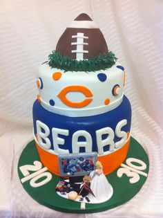 Chicago Bears Wedding cake - this was actually the wedding cake! Go Bears lol