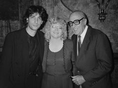Jackie Estrada with Will and Neil Gaiman at the 1994 Eisner Awards.