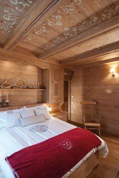 🌟Tante S!fr@ loves this pin🌟Strigno Arte Rovere Antico Chalet Interior, Interior Exterior, Interior Design, Kitchen Interior, Chalet Chic, Chalet Style, Chalet Design, House Design, Mountain Bedroom