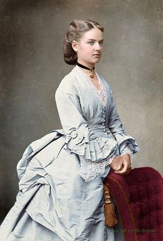 Unknown lady, 1870s Credits to http://antique-royals.tumblr.com/post/111707676018/1870s
