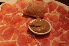 EATspeak: Momofuku - Ssam Bar and Milk Bar