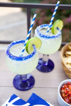Looking for good libations to serve at your next outdoor summer party? I have the best margarita recipe ever that you can make at home using 4 simple ingredients, plus salt. | In My Own Style