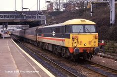 BR 87030 'Black Douglas' at Coventry on 22 February 1988 Electric Locomotive, Diesel Locomotive, Rail Train, Railroad Pictures, Liverpool Street, British Rail, Electric Train, Train Pictures, Rolling Stock