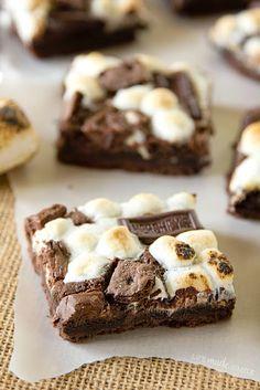 Hershey's Chocolate S'mores Bars - Recipe: http://lifemadesimplebakes...