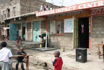 Maximum Impact Center School, Kenya - Visita il sito jointhepipe.org e leggi l'articolo completo su http://www.sceltaetica.it/join-the-pipe-il-social-network-che-connette-chi-beve-acqua-di-rubinetto/