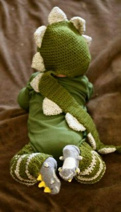 if i have a little boy someday, he will be an adorable dino for halloween!