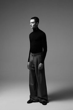 Raf Simons Retrospective Photographer Willy Vanderperre and stylist Olivier Rizzo teamed up to create this Raf Simons Retrospective editorial, for the latest issue of magazine. Studio Photography Poses, Editorial Photography, Men Fashion Photography, Concert Dresses, Photoshoot Concept, Stylish Boys, Poses For Men, Raf Simons, Fashion Poses