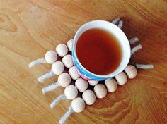Tutoriel DIY: Faire une sous-tasse avec des perles en bois via DaWanda.com