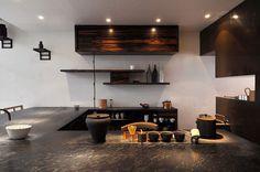 roaster-2-茶の世界を堪能するsouen 櫻井焙茶研究所 Lounge Design, Bar Lounge, Studio Kitchen, Kitchen Design, Japanese Interior Design, Wood Interiors, Cafe Interior, Interior Architecture, Room