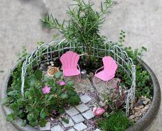 miniatur  kleiner metallzaun steinweg outdoor möbel