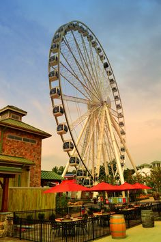The Island - Ride the wheel, eat delicious restaurant and play at the attractions! The Island has it all! #pigeonforge