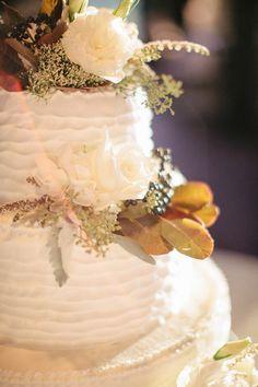 Charming Wedding #Cake   See the wedding on SMP - http://www.StyleMePretty.com/2014/01/08/grand-geneva-resort-wedding/ Carly McCray Photography
