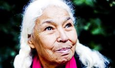 Nawal El Saadawi (Arabic: نوال السعداوى, born October is an Egyptian feminist writer, activist, physician and psychiatrist. Islam Women, Arab Women, Women In History, Black History, Feminist Writers, Feminist Icons, Brave, Estilo Real, Dangerous Woman