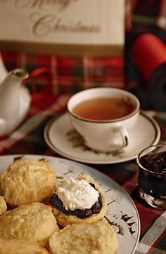 Tea with the Dowager: Recipes for Downton Abbey fans - English scones - http://CSMonitor.com