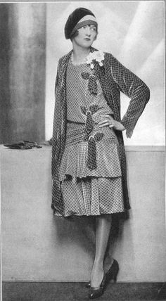 vintage everyday: 36 Vintage Photos Show a Unique and Elegant Style of Womens Fashions 20s Fashion, Fashion Over 50, Fashion History, Vintage Fashion, Womens Fashion, Fashion Tips, High Fashion, Fashion Skirts, Fashion Spring