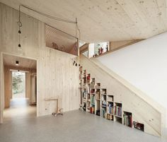 http://www.journal-du-design.fr/architecture/house-hohlen-par-jochen-specht-53124/