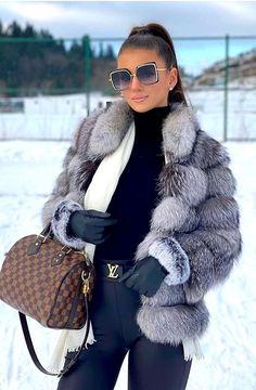 Winter Fashion Outfits, Fur Fashion, Fall Winter Outfits, Autumn Winter Fashion, Womens Fashion, Classy Outfits, Stylish Outfits, Elegantes Outfit Frau, Luxury Lifestyle Fashion