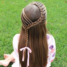Lace braid with small sections (mermaid style braid) brought in. Baby Girl Hairstyles, Dance Hairstyles, Kids Braided Hairstyles, Short Hairstyles, Aurora Hair, Girl Hair Dos, Lace Braid, Mermaid Hair, Mermaid Style