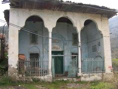 Hisarlık mosque-Constructive: Seljuks-Built year: Approximately 800 years old-Tire-İzmir (It is in ruins)