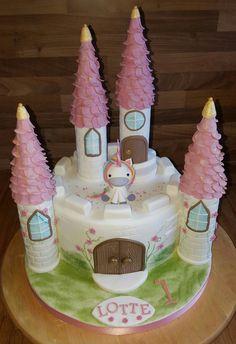 Geburtstag-Kinder » Torte Kleines Schlösschen Schloss Burg Türmchen Einhorn