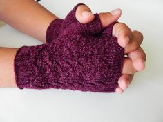 Ravelry: Backwoods Mitts pattern by Susan Claudino