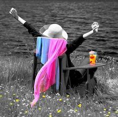 El éxtasis es el momento cumbre de la intimidad con uno mismo.   Disfruta El Éxtasis de estar viva(o)..