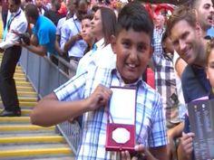 JornalQ.com - Medalha da Supertaça que Mourinho atirou recebe ofertas de 200 MIL EUROS