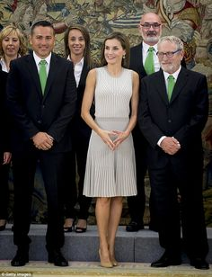 Queen Letizia shows off honed arms in Madrid | Daily Mail Online